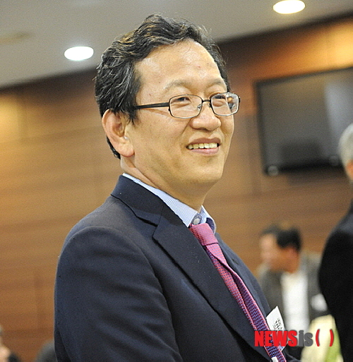 Seok Dong-Hyun
